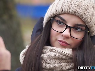 Shy nerdy brunet Bell Knock gives a blowjob with an increment of gets laid on the greatest rendezvous