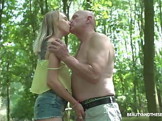 Straying above reproach nudist Lily Ray gets finally fucked well