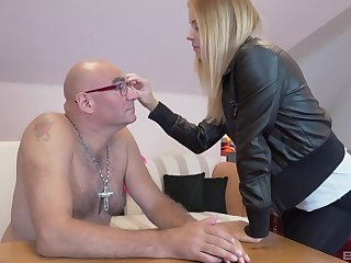 Ancient vs Young porn video anent surprising blonde sculpt Chrissy Slyboots